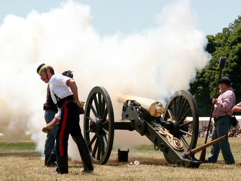 Civil War Days artillery demo